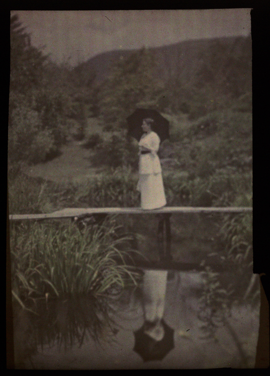 Miss May Tracy, Japan, Helen Messinger Murdoch, The Royal Photographic Society Collection, National Media Museum / SSPL