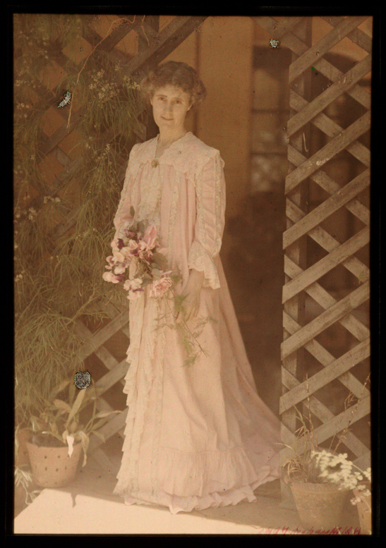 Portrait of a woman in a pink dress, Helen Messinger Murdoch, The Royal Photographic Society Collection, National Media Museum / SSPL