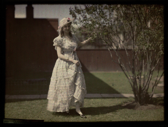 Woman standing by a tree, Helen Messinger Murdoch, The Royal Photographic Society Collection, National Media Museum / SSPL