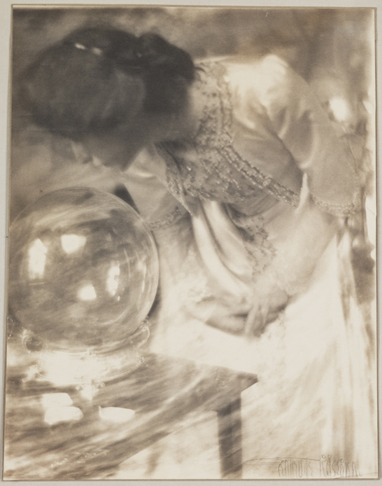 The Magic Crystal or The Crystal Gazer, c.1904, Gertrude Käsebier, The Royal Photographic Society Collection © National Media Museum, Bradford / SSPL. Creative Commons BY-NC-SA