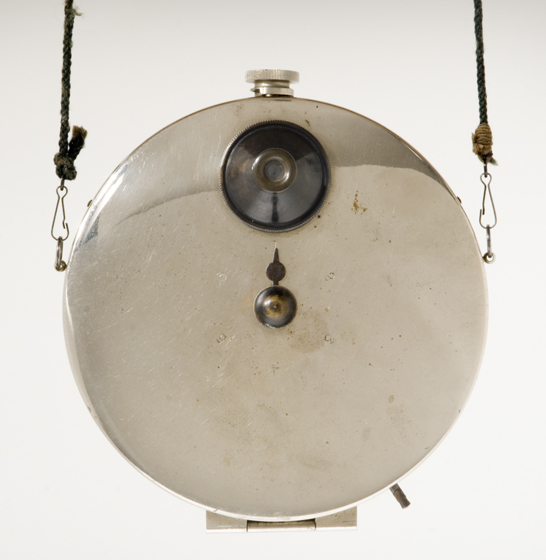 Stirn's waistcoat camera, 1886, CP Stirn © National Media Museum / SSPL. Creative Commons BY-NC-SA