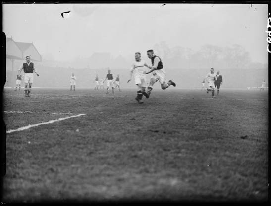 Arsenal vs Aston Villa, 1934, Harold Tomlin © Daily Herald / National Media Museum, Bradford / SSPL