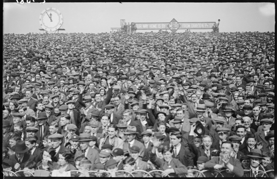 The crowd at Arsenal vs Sheffield Wednesday, 1933, George Woodbine © Daily Herald / National Media Museum, Bradford / SSPL