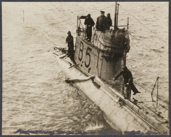 British submarine, c. 1915, unknown photographer © National Media Museum, Bradford / SSPL. Creative Commons BY-NC-SA