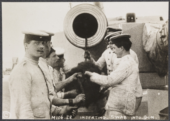 Inserting swab into gun, c. 1915, unknown photographer © National Media Museum, Bradford / SSPL. Creative Commons BY-NC-SA