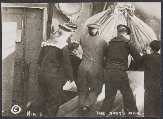 The Navy's mail, c. 1915, unknown photographer © National Media Museum, Bradford / SSPL. Creative Commons BY-NC-SA