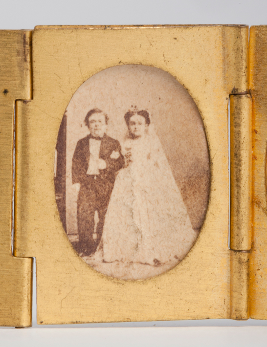 Portrait of Tom Thumb and Lavinia Warren from a gilt locket containing 12 albumen prints, c. 1864, The Royal Photographic Society Collection © National Media Museum, Bradford / SSPL