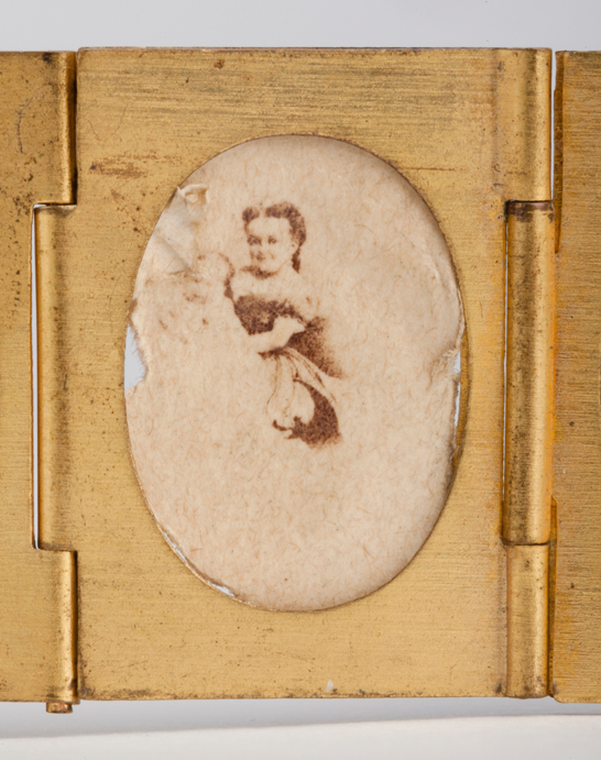 Portrait of Lavinia Warren  from a gilt locket containing 12 albumen prints, c. 1864, The Royal Photographic Society Collection © National Media Museum, Bradford / SSPL. Creative Commons BY-NC-SA