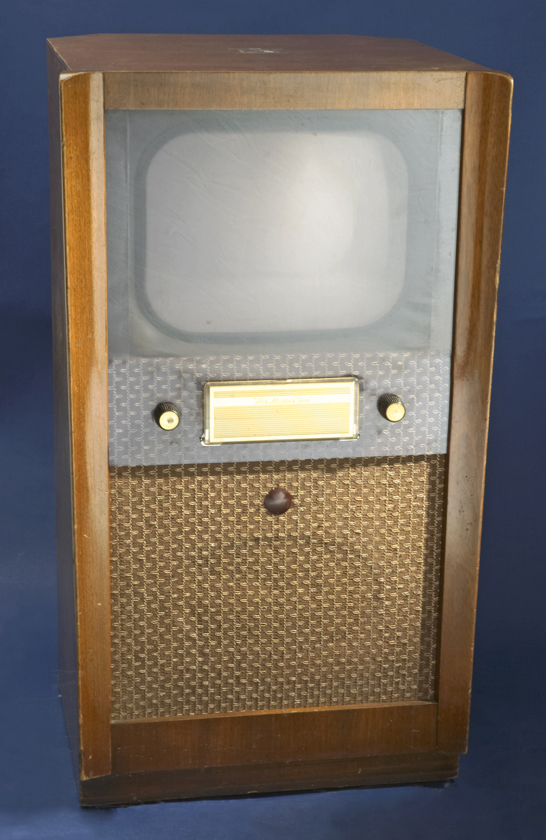 Monochrome television receiver, c. 1951, His Master's Voice (HMV) © National Media Museum, Bradford / SSPL. Creative Commons BY-NC-SA