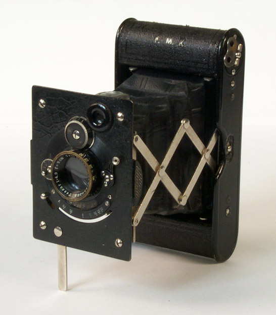 Vest Pocket Autographic Kodak Special Camera (Compur Model), 1926 © National Media Museum, Bradford / SSPL. Creative Commons BY-NC-SA